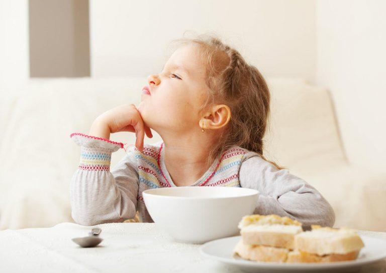 Ребенок отказывается есть определенные продукты, что делать?
